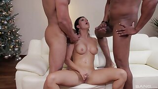 Billie Star drops chiefly her knees for double intensively interracial sex