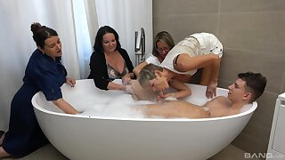 Guy in the tub suits all these matures with respect to healthy fucking