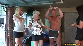 Katie Janeway invited her friends on every side pleasure her plighted hubby