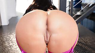 Jasmine Jae: Busty Brit's Buttfuck