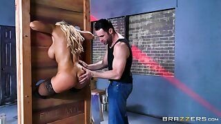 Latina cougar is ass fucked far a disparaging fetish play