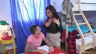 Brunette pornstar Ava Koxxx gives fiend increased by gets fucked good