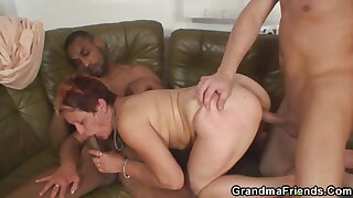 Slutty mommy fucked unconnected with two