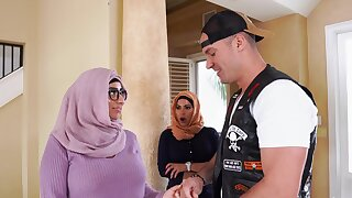 Arab women kitchen garden man's penis in first threesome