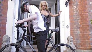 Cyclist scores with pretty older woman Rebecca Jane Smyth