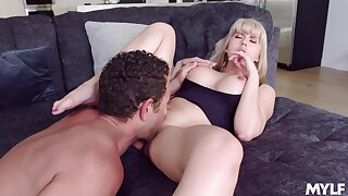 Blonde mommy sure wants the young cock to ravish her G spot