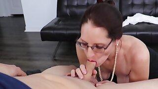 Christina Sapphire's moue around boss' penis make the baffle cum