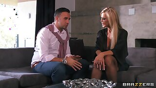 Hardcore fucking in the living room with cheating wife Amber Lynn