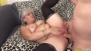 Sexy old woman taking hard dicks with reference to their mature pussy and rate getting fucked good
